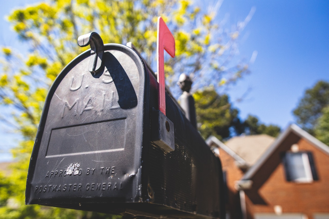 mailbox_containing_direct_mail_from_business
